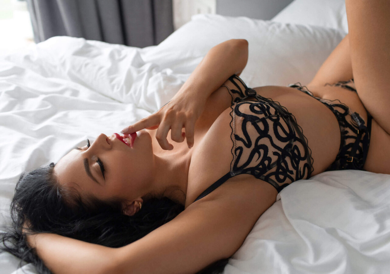 Best Sydney escorts available now, sexy lingerie models, local Australian call-girls for sex. Private Sydney sex guide and best private girl escorts.